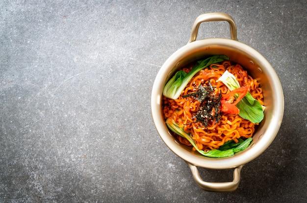 野菜とキムチの韓国ラーメン