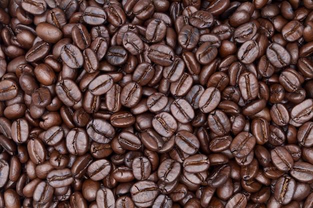 コーヒーの背景のショットを閉じる