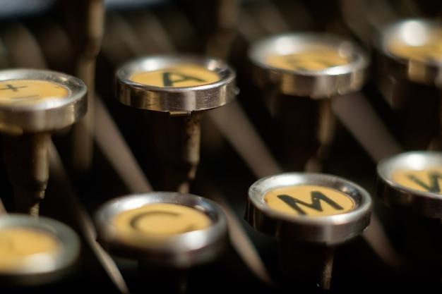 古いレトロタイプライター、マクロのキーボード