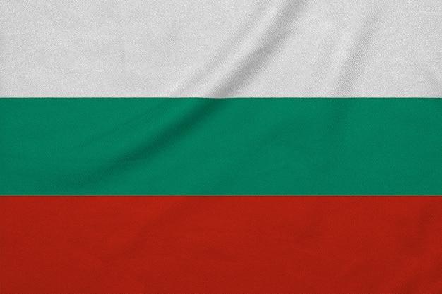 工場のニット生地からブルガリアの旗。