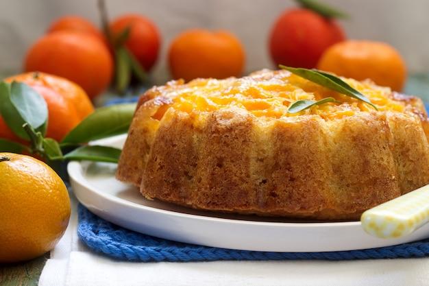 Мандариновый торт и мандарины
