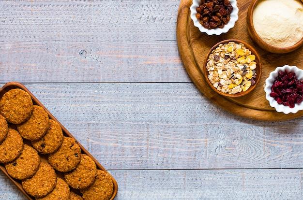 シリアルビスケットと健康的な朝の朝食