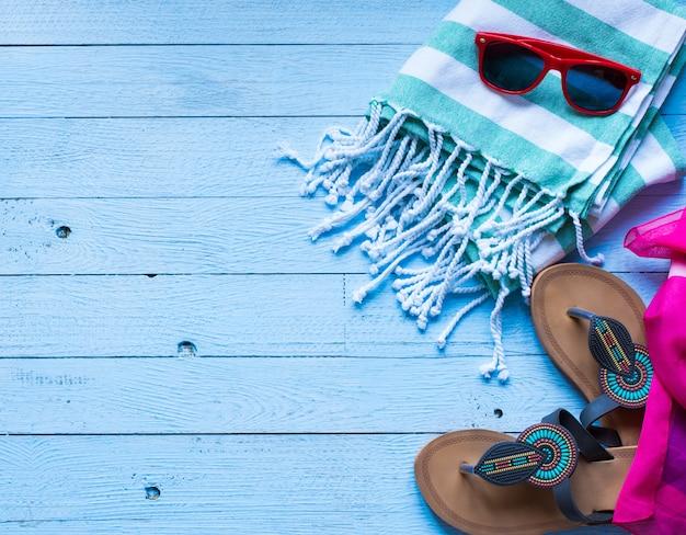 夏のファッションの女性水着ビキニ