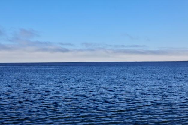 Пристань для яхт в городе монтерей, западное побережье, сша