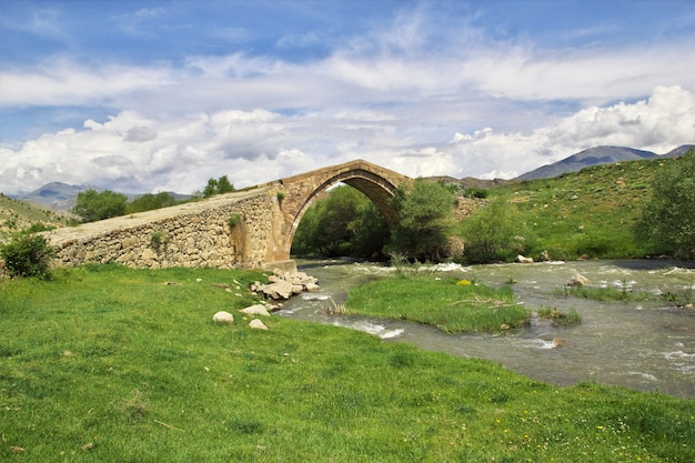 Древний мост в горах кавказа