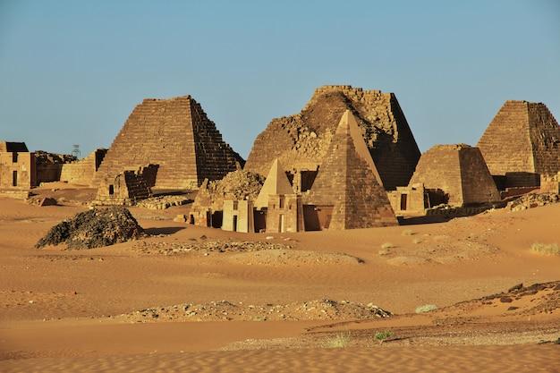 Древние пирамиды мероэ в суданской пустыне