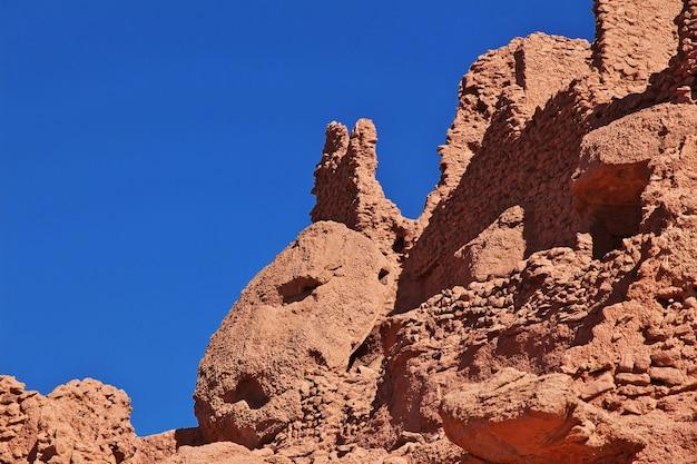ティミムンの要塞の遺跡は、アルジェリアのサハラ砂漠の放棄された都市
