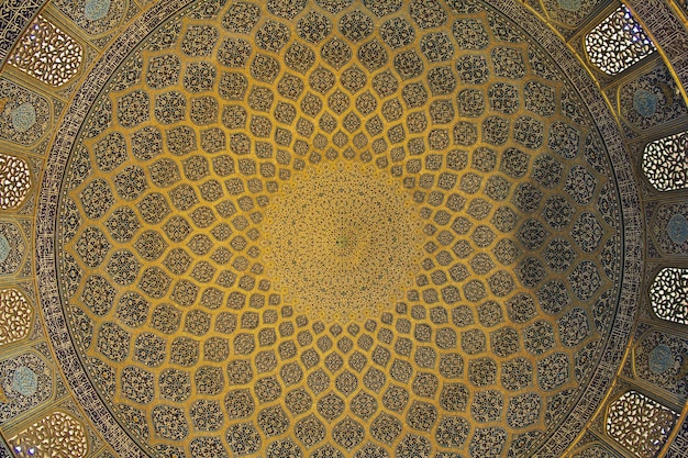 イランイスファハンのナクシェジャハン広場のモスク