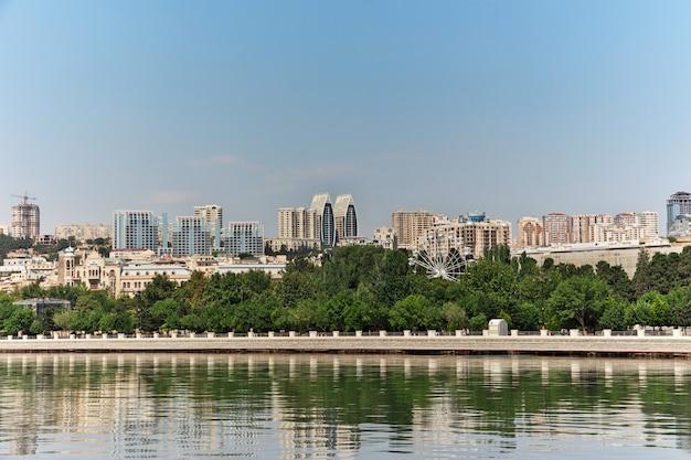 Набережная в городе баку, азербайджан