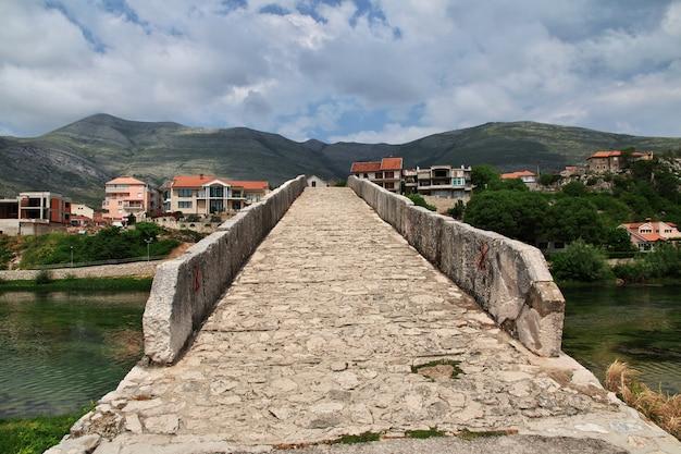 トレビニエ、ボスニア・ヘルツェゴビナの古い橋
