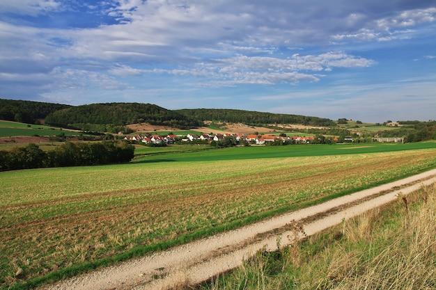 ドイツ、バイエルン州のフィールドのパノラマ