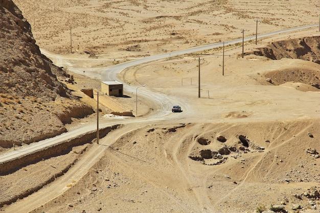 チャクチャクはイランのゾロアスター教の寺院です