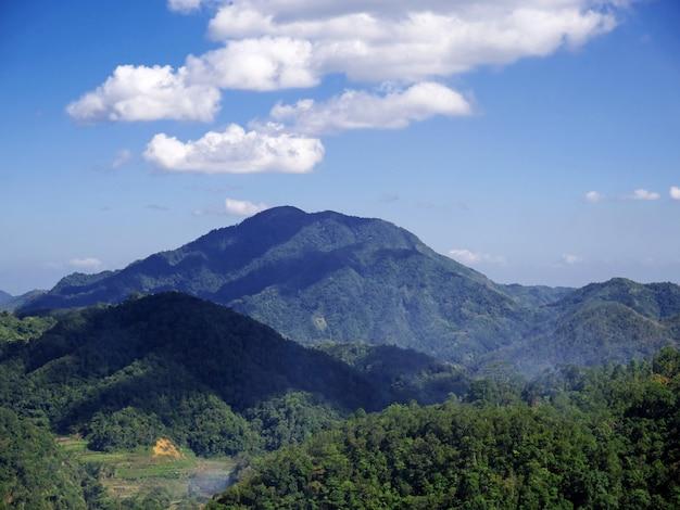 Горы и долины в банауэ, филиппины