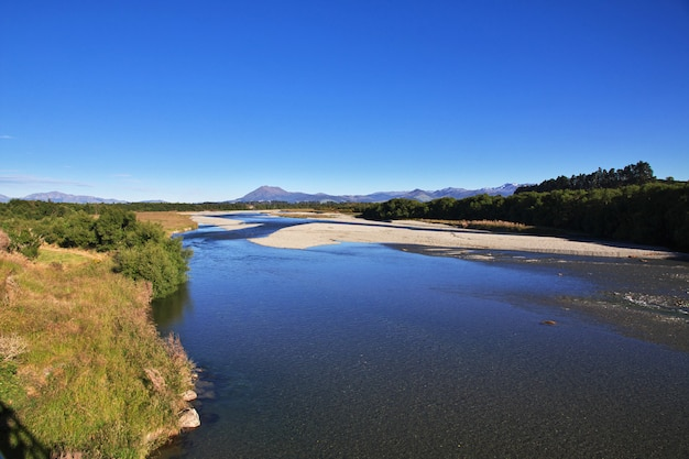 ニュージーランドの南島の川