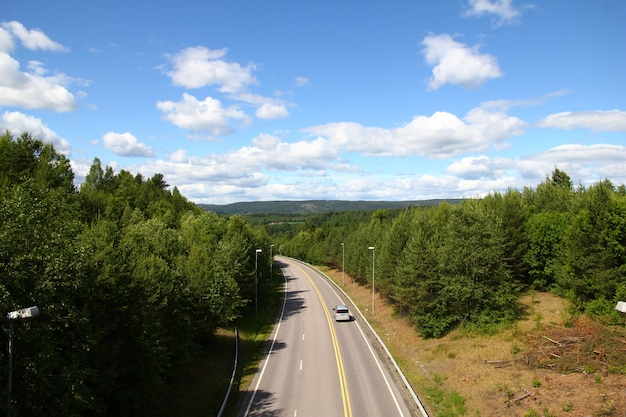 ノルウェー、オスロへの高速道路
