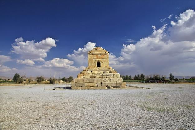 Пасаргэда гробница и некрополь, иран