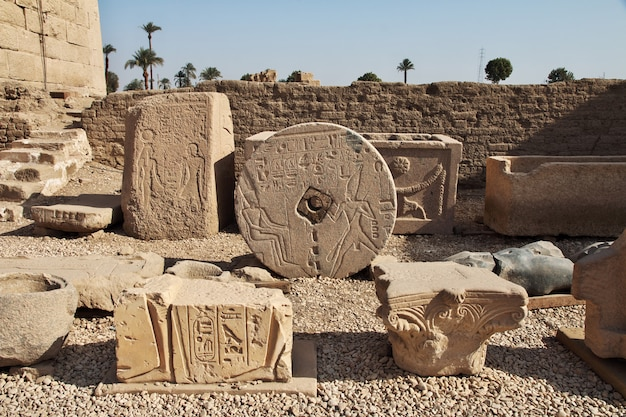 Древний храм хатор в дендере, египет