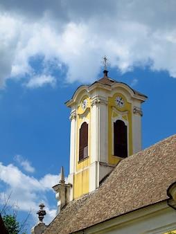 ハンガリー国センテンドレの町の教会
