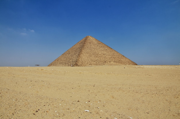 エジプトサハラ砂漠ダハシュールのピラミッド