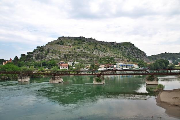 アルバニア、バルカンのシュコドラ城