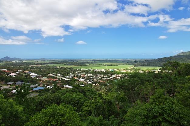 オーストラリア、ケアンズ、キュランダの谷の眺め