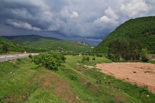 バルカン半島のマケドニアのサンナウム修道院近くの村