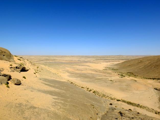 砂漠の岩、ウィントフック、ナミビア