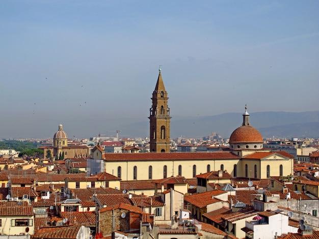 イタリア、フィレンツェのヴィンテージ家の眺め