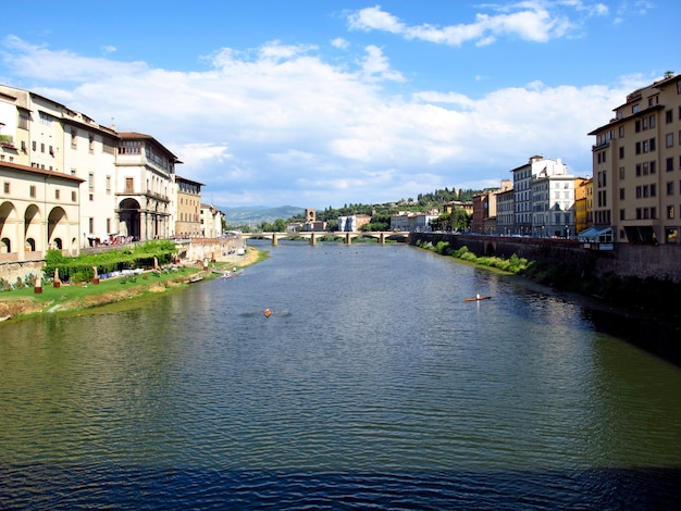 イタリア、フィレンツェの古い橋
