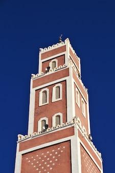 アルジェリアのサハラ砂漠のアドラー市のモスク