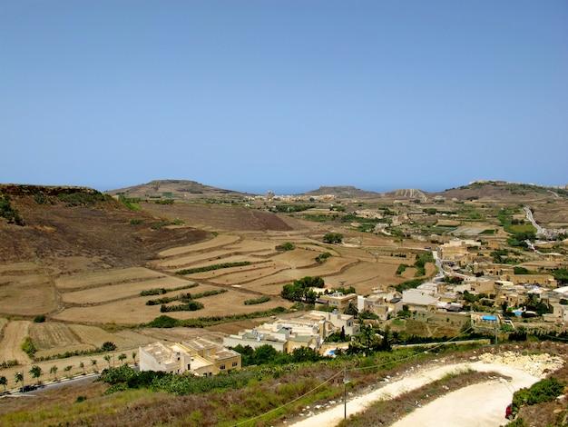 マルタのゴゾ島の谷の眺め