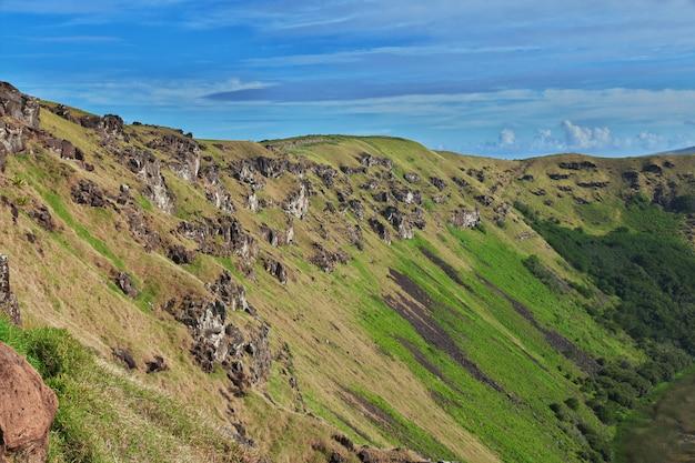 Вулкан рано кау в рапа нуи, остров пасхи, чили