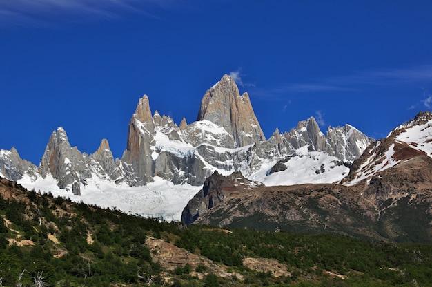 Гора фитц рой, эль чалтен, патагония, аргентина
