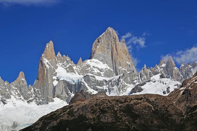 フィッツロイ山、エルチャルテン、パタゴニア、アルゼンチン