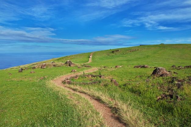 Дорога на вулкан рано кау, остров пасхи, чили