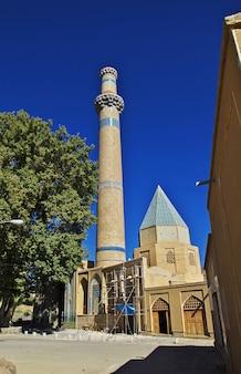 イランのナタンツ市の古いモスク