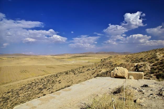パサルガダエ墓とネクロポリス、イラン