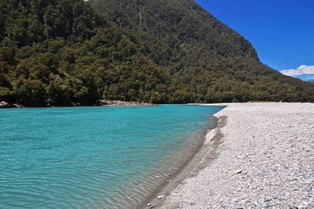 ニュージーランド南島の山と谷