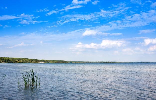 Нарочь - самое большое озеро в беларуси
