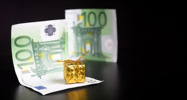 金と黒のユーロ