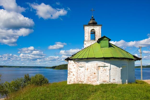 ロシア、ゴリツィーヴォログダ地域の村の寺院への聖母マリアの紹介教会