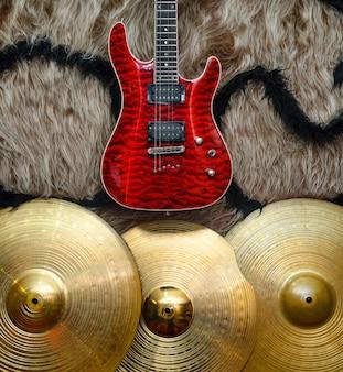 Фон с музыкальными инструментами