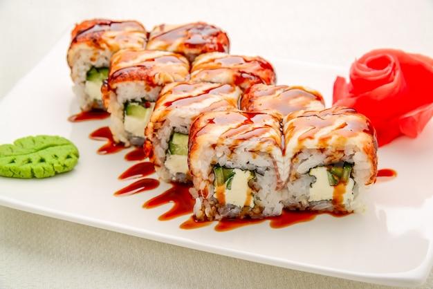 Суши-сет, японская еда