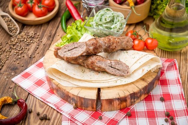 牛肉のグリルケバブ