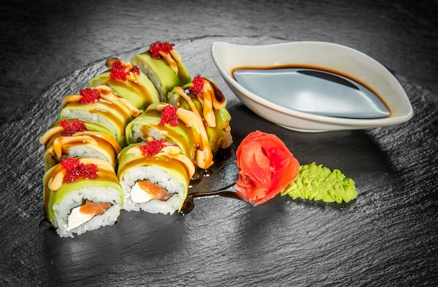新鮮な魚介類を使った日本料理