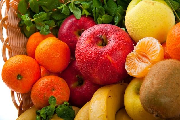 Группа свежих овощей и фруктов