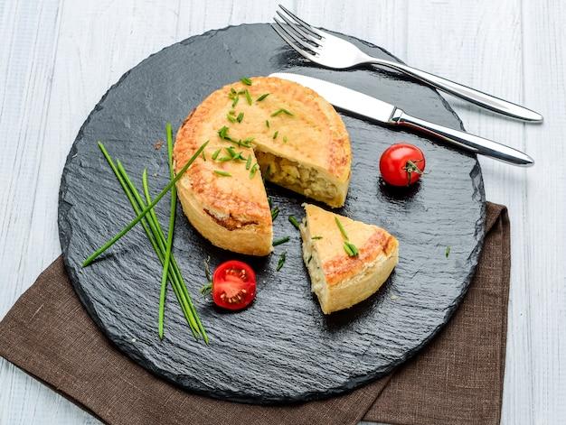 Вкусный пирог с разными начинками