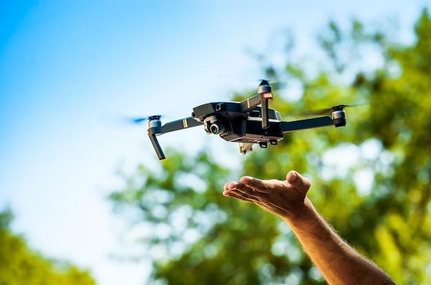 デジタルカメラ付きドローンクアッドコプター