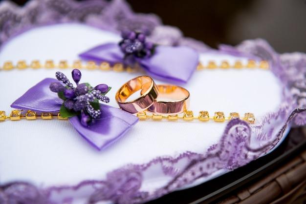 装飾の結婚指輪