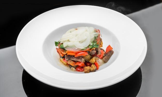 野菜のスパイシートマトソース煮込み